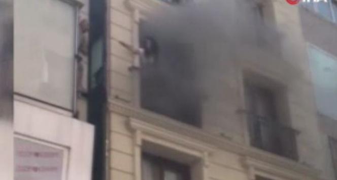 Laleli'de bir otelin saunasında yangın!